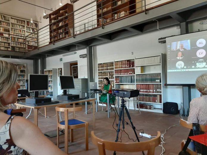 biblioteca -acicatena