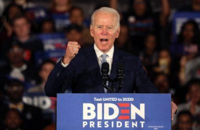 Joe Biden accusa