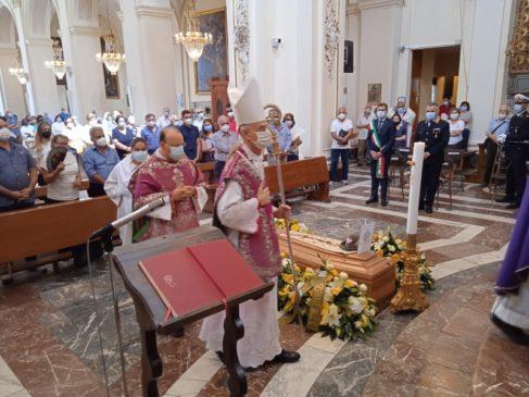 Mons.Nicolosi-funerale